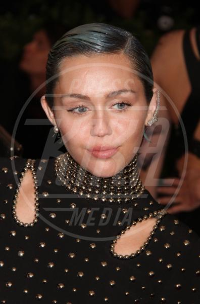 Miley Cyrus - New York - 05-05-2015 - Met Gala 2015: il red carpet più glamour dell'anno