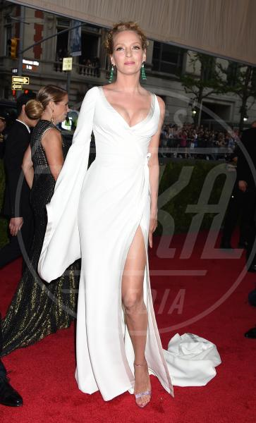 Uma Thurman - New York - 04-05-2015 - In primavera ed estate, le celebrity vanno in bianco!
