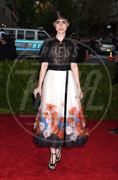 Lily Collins - New York - 04-05-2015 - Met Gala 2015: il red carpet più glamour dell'anno