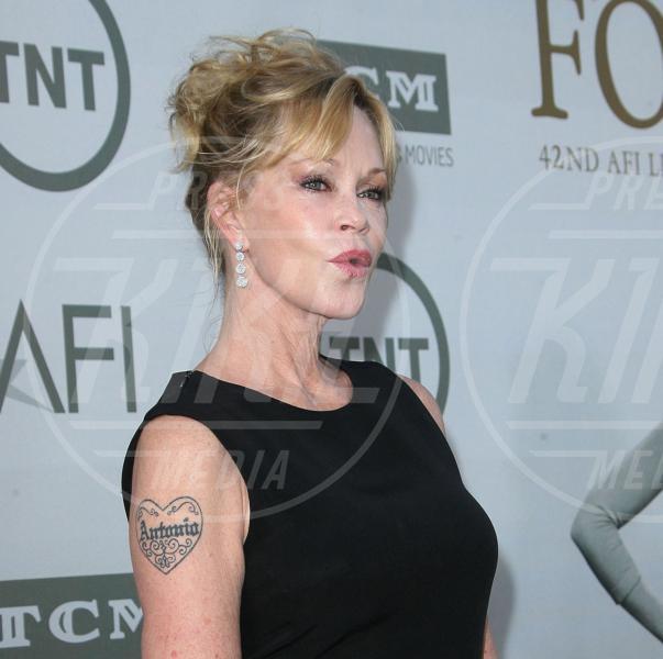 Melanie Griffith - Los Angeles - 02-01-2015 - Tatuaggi: se ci lasciamo lo cancello!