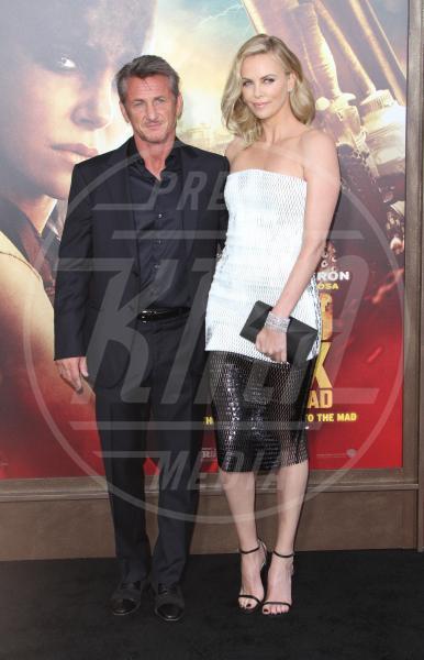 Sean Penn, Charlize Theron - Hollywood - 08-05-2015 - Amori in controtendenza: quando lui è più basso di lei