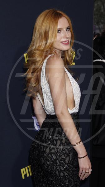 Bella Thorne - Los Angeles - 08-05-2015 - Hailee Steinfeld in Dolce&Gabbana alla prima di Pitch Perfect 2