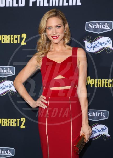 Brittany Snow - Los Angeles - 09-05-2015 - Hailee Steinfeld in Dolce&Gabbana alla prima di Pitch Perfect 2