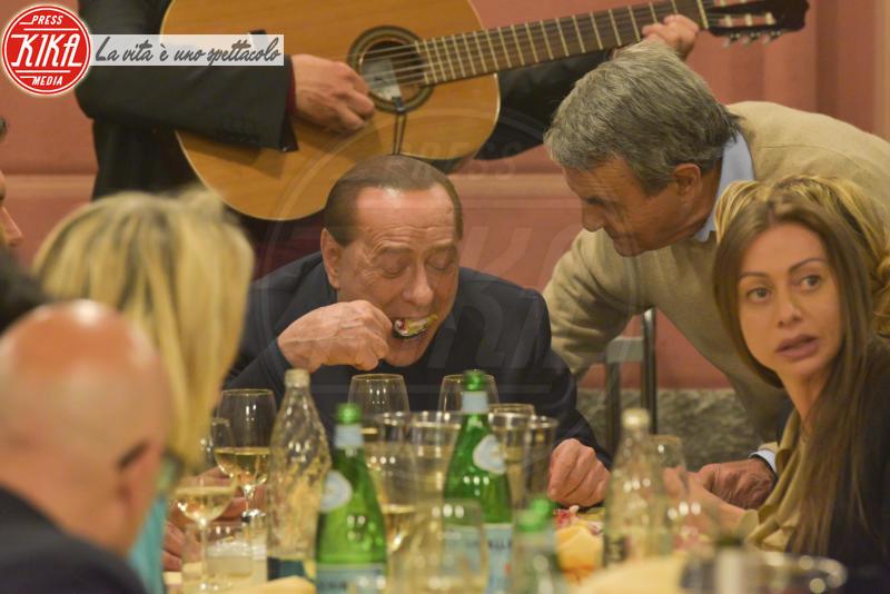 Silvio Berlusconi - Portofino - 10-05-2015 - McDonald's: al tavolo c'è Silvio Berlusconi