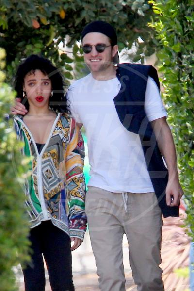 FKA Twigs, Robert Pattinson - Los Angeles - 11-05-2015 - Twilight saga, nuovo libro, ruoli invertiti