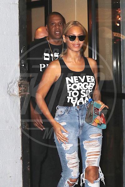 Jay Z, Beyonce Knowles - New York - 11-05-2015 - Dillo con una t-shirt: Kate Mara difende gli scimpanzè