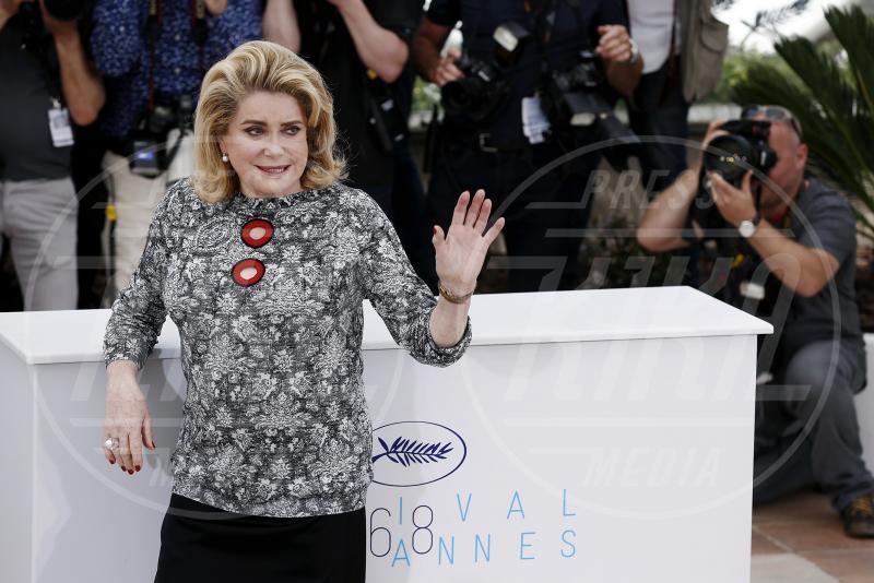 Catherine Deneuve - Cannes - 13-05-2015 - Catherine Deneuve ha avuto un malore: