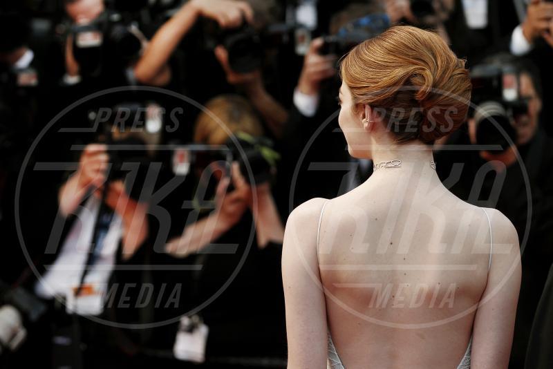 Emma Stone - Cannes - 15-05-2015 - Cosa ti metti in testa per le feste? Prova con la treccia...