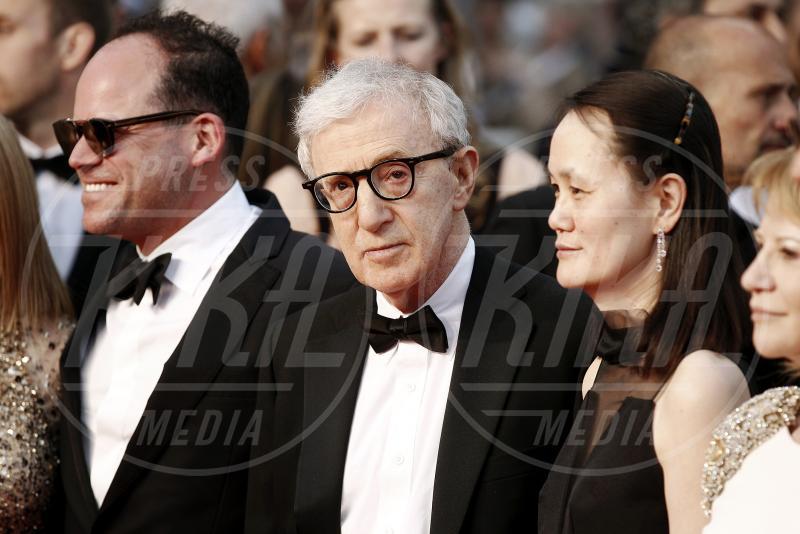 Soon-Yi Previn, Woody Allen - Cannes - 15-05-2015 - Crisis in Six Scenes, la serie diretta da Woody Allen per Amazon