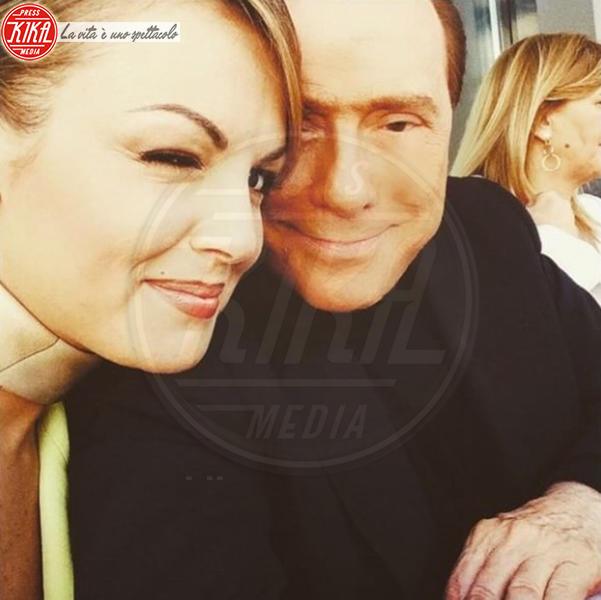 Francesca Pascale, Silvio Berlusconi - Milano - 21-05-2015 - McDonald's: al tavolo c'è Silvio Berlusconi
