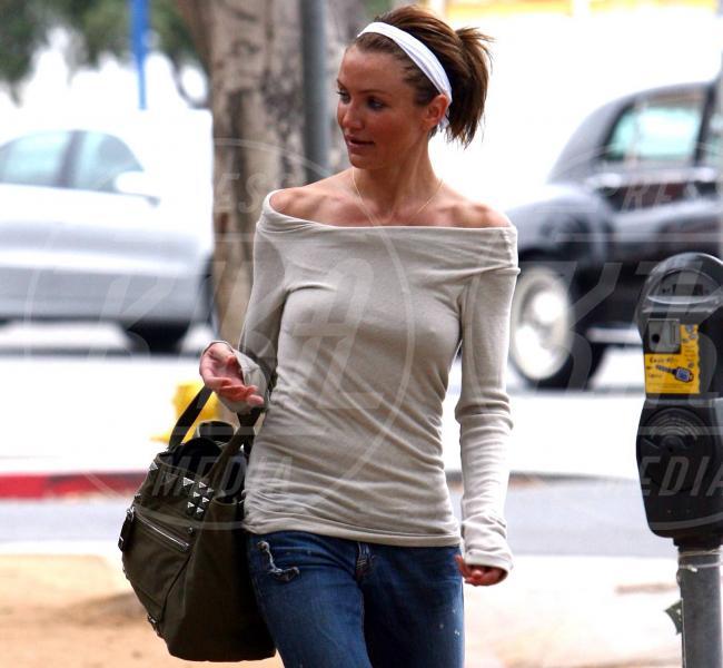 Cameron Diaz - Hollywood - 18-04-2007 - Reggiseno? No grazie, le star lasciano intravedere tutto