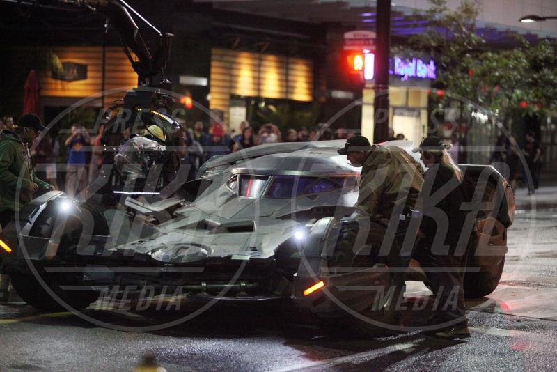 Batmobile - Toronto - 27-05-2015 - Suicide Squad: ciak, si gira lo scontro Batman Vs Joker!