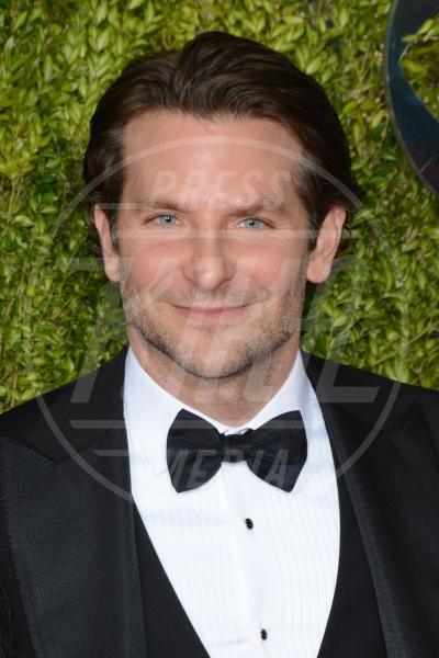 Bradley Cooper - Manhattan - 08-06-2015 - Bradley Cooper produrrà il telethon per Stand up to Cancer
