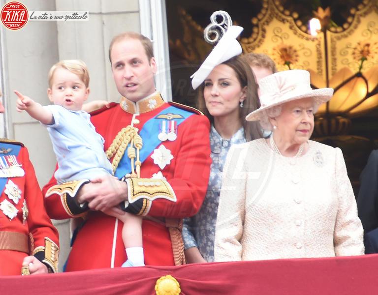 Principe George, Regina Elisabetta II, Principe William, Kate Middleton - Londra - 13-06-2015 - Principino George: le sette foto che lo hanno resto una star
