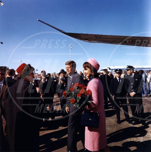 John Fitzgerald Kennedy, Jacqueline Kennedy - Dallas - 22-11-1963 - 22 novembre 1963: 52 anni fa veniva ucciso John F. Kennedy