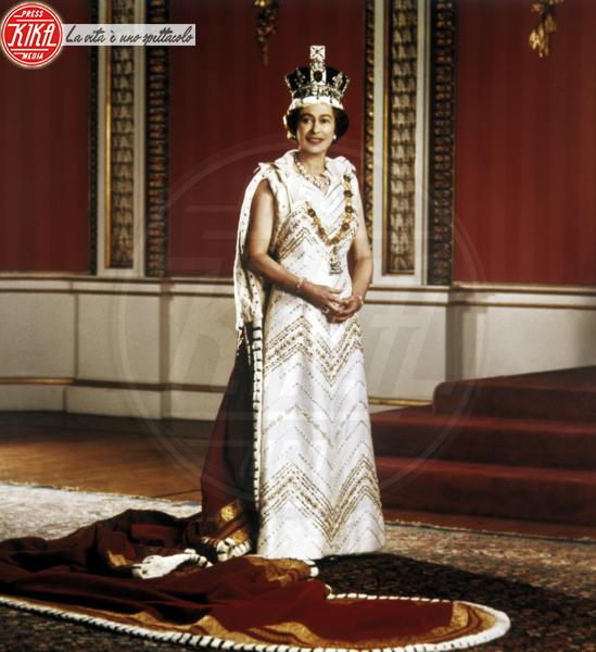 Regina Elisabetta II - Londra - 02-06-1953 - Dio salvi la regina: Elisabetta II compie 63 anni di regno
