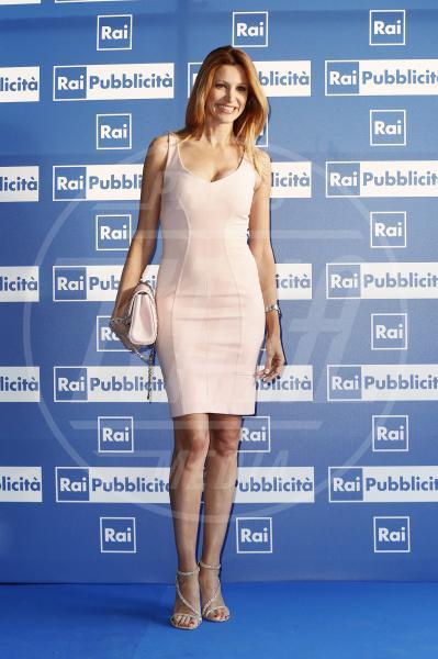Adriana Volpe - Milano - 23-06-2015 - Le celebrity? Tutte romantiche belle in rosa!