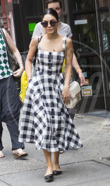 Vanessa Hudgens - New York - 21-06-2015 - Le star che non sapevi non superassero il metro e 60