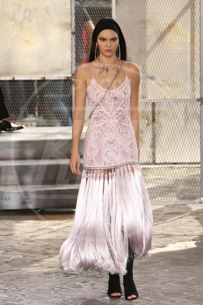 Kendall Jenner - Parigi - 26-06-2015 - Forbes: cade l'impero di Gisele, la modella più pagata è lei!