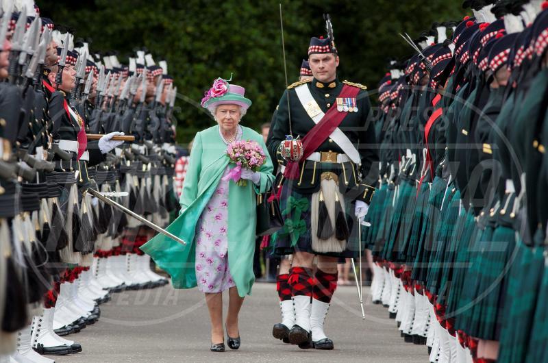 Regina Elisabetta II - 30-06-2015 - Dio salvi la regina: Elisabetta II compie 63 anni di regno