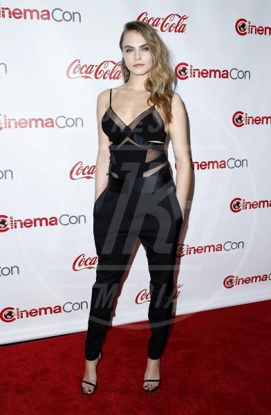 Cara Delevingne - Las Vegas - 24-04-2015 - La tuta glam-chic conquista le celebrity