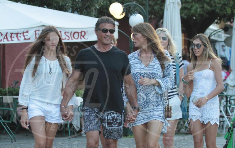 Scarlet Stallone, Sophia Stallone, Jennifer Flavin, Sylvester Stallone - Portofino - 13-02-2042 - Sylvester Stallone, beato tra le (sue) donne a Portofino