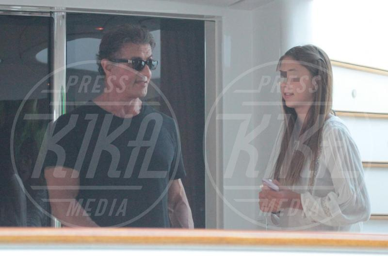 Scarlet Stallone, Sylvester Stallone - Portofino - 13-02-2042 - Sylvester Stallone, beato tra le (sue) donne a Portofino