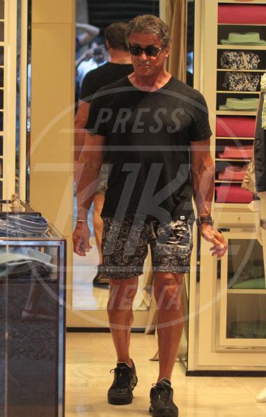 Sylvester Stallone - Portofino - 13-02-2042 - Sylvester Stallone, beato tra le (sue) donne a Portofino