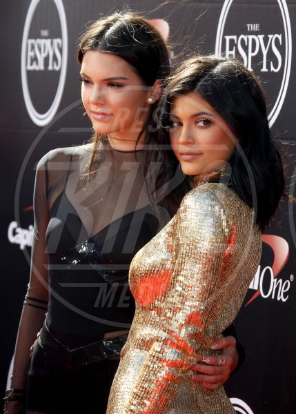 Kendall Jenner, Kylie Jenner - Los Angeles - 15-07-2015 - Le star che non sapevate avessero genitori gay