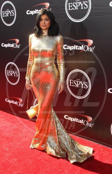 Kylie Jenner - Los Angeles - 15-07-2015 - Natale e Capodanno: a ciascuna la sua forma e... il suo abito!
