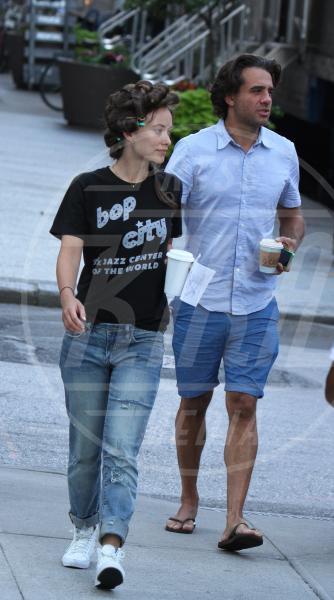 Bobby Cannavale, Olivia Wilde - New York - 20-07-2015 - Mick Jagger e Martin Scorsese rivivono il rock anni '70 in Vinyl