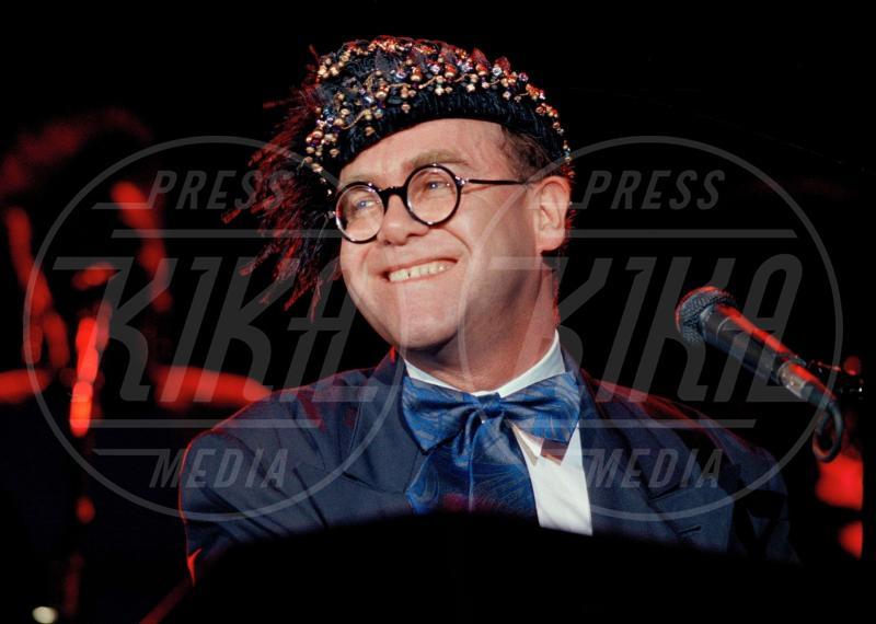Elton John - Los Angeles - 09-07-1988 - Il commovente messaggio di Elton John per la morte della mamma