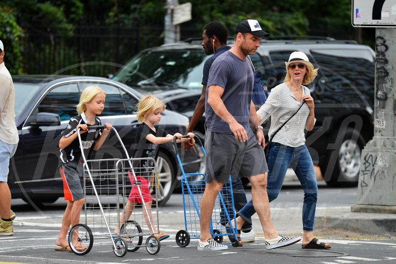 Samuel Schreiber, Alexander Schreiber, Liev Schreiber, Naomi Watts - New York - 21-07-2015 - Naomi Watts e Liev Schreiber, addio dopo 11 anni