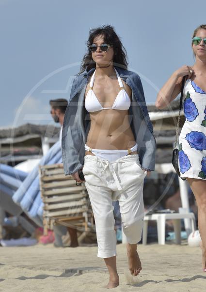 Michelle Rodriguez - Saint Tropez - 24-07-2015 - Michelle Rodriguez cambia sesso e si mostra ai fan con la barba