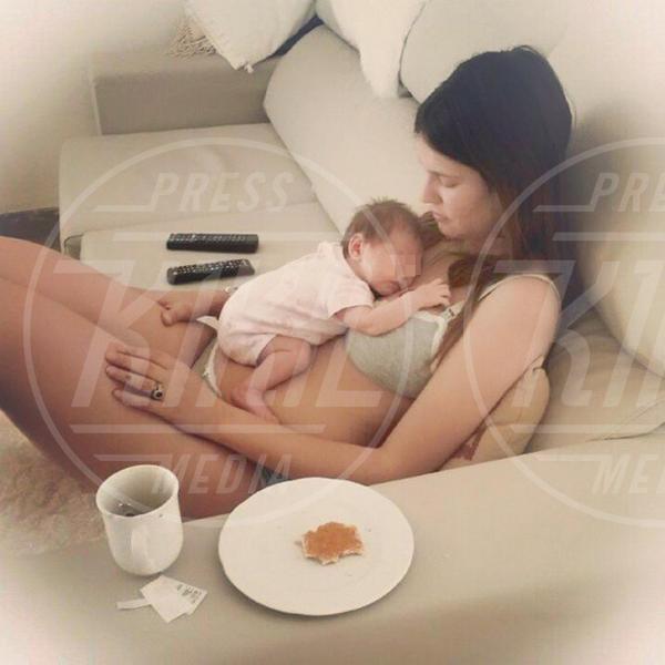 Mia Balti, Bianca Balti - 25-07-2015 - Candice Swanepoel in perfetta forma a un mese e mezzo dal parto