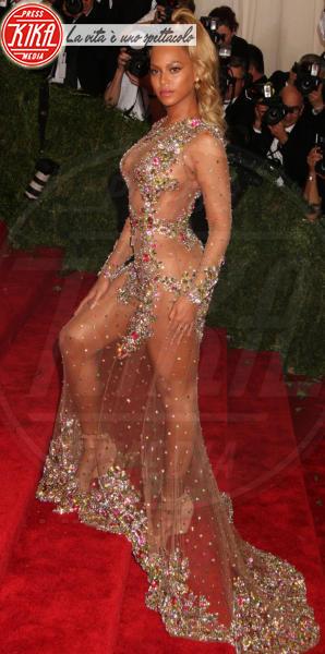 Beyonce Knowles - New York - 04-05-2015 - Vestiti scomodi e dove trovarli: seguite Kim Kardashian!
