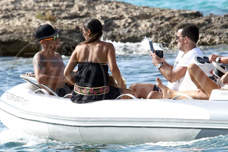 Bruna Marquezine, Neymar - Formentera - 28-07-2015 - Neymar, altro che farfallone: eccolo con la fidanzata storica