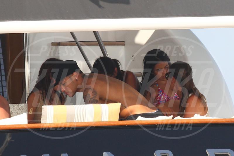 Neymar - Formentera - 28-07-2015 - Neymar, altro che farfallone: eccolo con la fidanzata storica