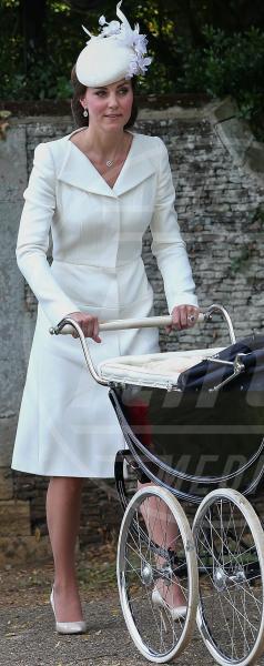 Principessa Charlotte Elizabeth Diana, Kate Middleton - King's Lynn - 05-07-2015 - Kate Middleton e Lady Diana, lo stile è lo stesso