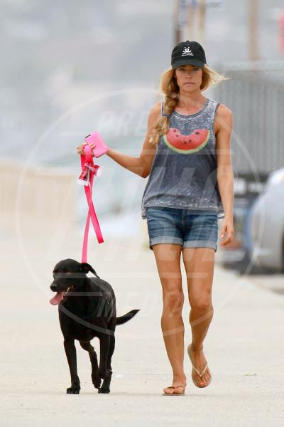 Denise Richards - Los Angeles - 31-07-2015 - L'estate addosso? Vestiti come Reese Witherspoon