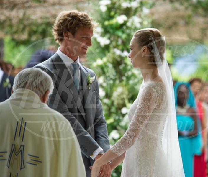Pierre Casiraghi, Beatrice Borromeo - 02-08-2015 - Beatrice Borromeo in Armani Privè per il sì con Pierre Casiraghi