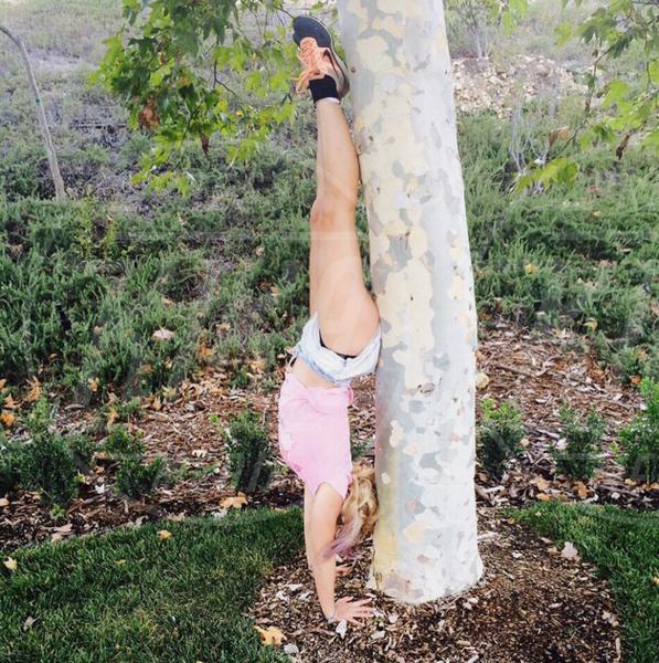 Britney Spears - 02-08-2015 - Ma dove vai... se lo yoga non lo fai?
