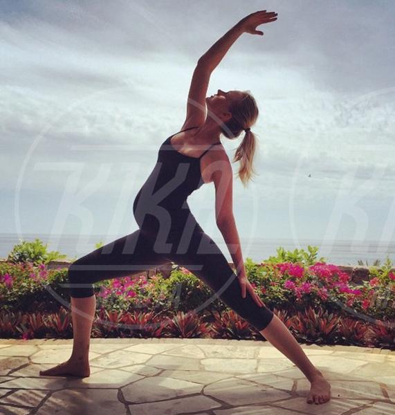 Anne V - 02-08-2015 - Star come noi: lo yoga è ancora più necessario