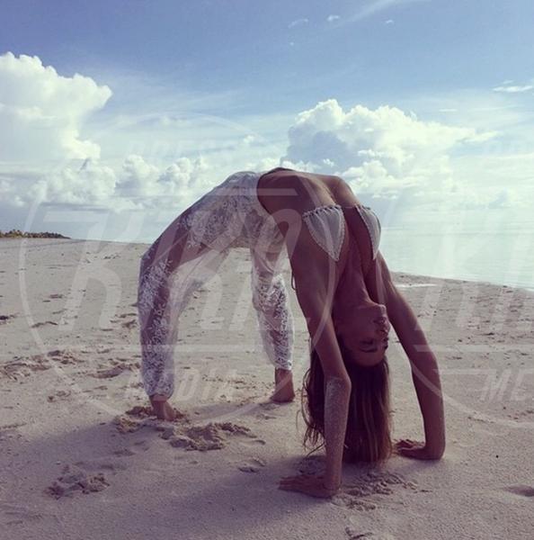 Miranda Kerr - 02-08-2015 - Star come noi: lo yoga è ancora più necessario