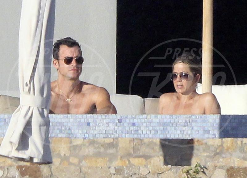 Justin Theroux, Jennifer Aniston - Los Cabos - 28-12-2013 - Jennifer Aniston è incinta di due gemelle
