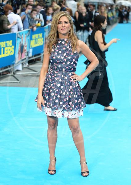 Jennifer Aniston - Londra - 14-08-2013 - Jennifer Aniston è incinta di due gemelle