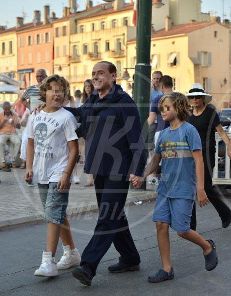 Silvio vanadia, gabriele vanadia, Silvio Berlusconi - Saint Tropez - 11-08-2015 - Silvio Berlusconi: un nonno a tempo indeterminato