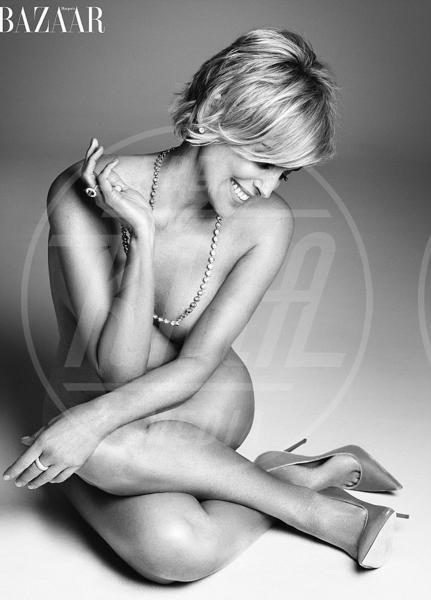Sharon Stone - 15-08-2015 - Over 40 senza veli e in copertina per combattere un tabù