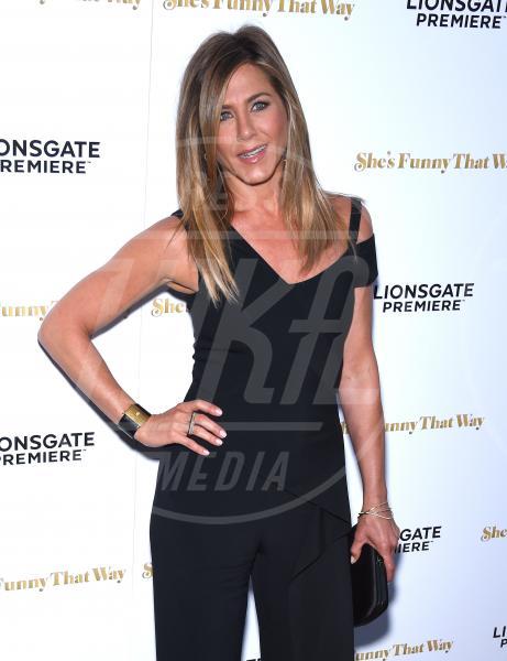 Jennifer Aniston - Hollywood - 19-08-2015 - Jennifer Aniston, mamma adottiva per i bimbi di Tijuana