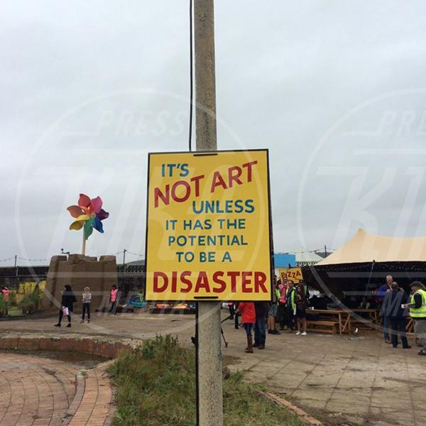 Dismaland - Weston-super-Mare - 21-08-2015 - Apre Dismaland, il parco giochi di Banksy